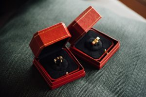 Two rings - wedding tips and ideas